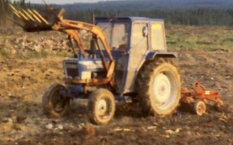 Ford 4100 med Ålö orginallastare