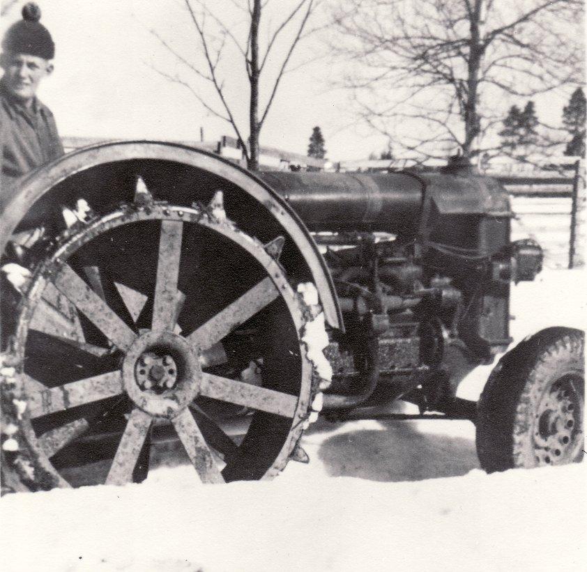 Staffan på Fordson -27 år 1955
