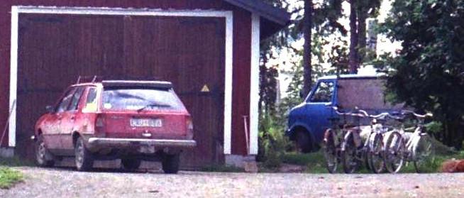 R 18 och Bedford/Opel D lastbil