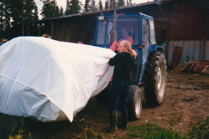 Rundbal i plastsäck juli -89