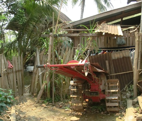 Ristraktor i Laos